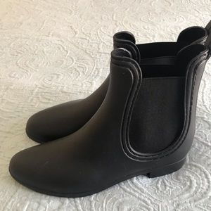 Report Ankle rain booties